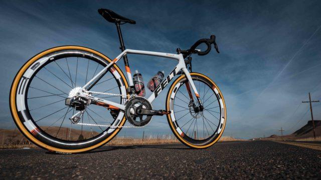A equipe Rally-UHC apresenta sua bicicleta Felt para 2019 (9)