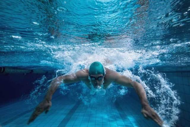 Benefícios da natação para a prática do ciclismo 1