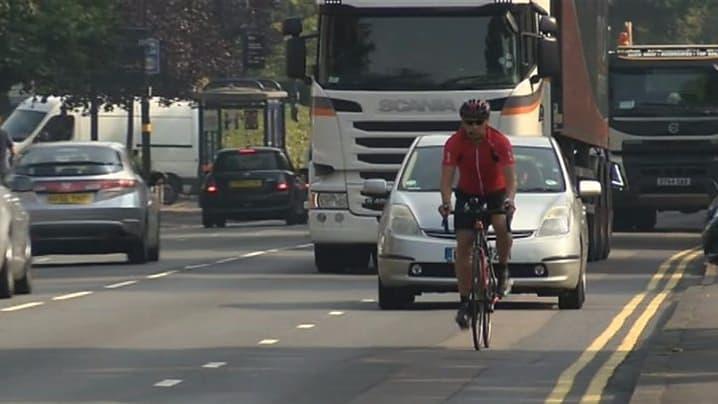 Ciclista que perdeu perna atropelado por caminhão será indenizado em R$ 100 mil