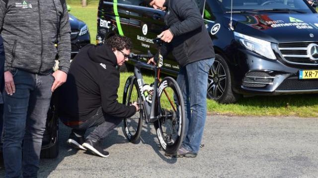Detalhes da Paris-Roubaix 2019 pela lentes de Josh Evans (45)