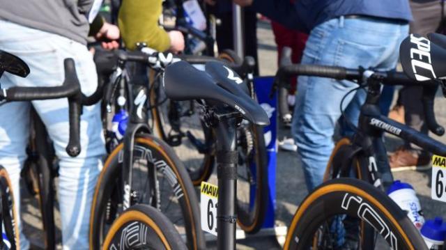 Detalhes da Paris-Roubaix 2019 pela lentes de Josh Evans (49)