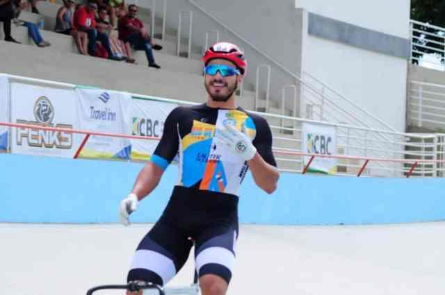 Kacio comemora - Crédito: Luis Claudio Antunes/CBC