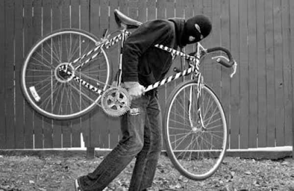Ladrão de bike 1.jpg