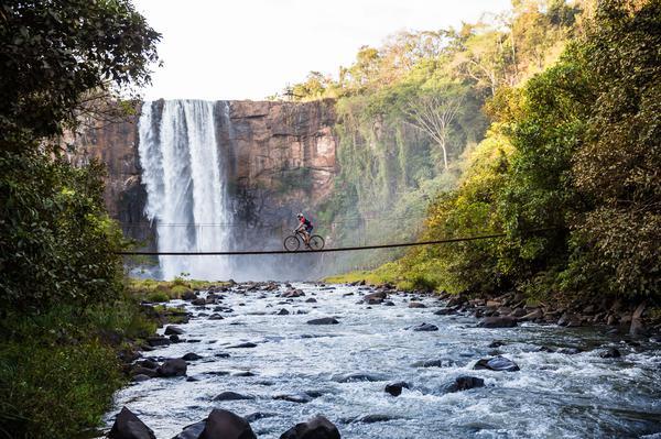 Parque Natural Municipal Salto do Sucuriu (Wladimir Togumi Brasil Ride).jpg