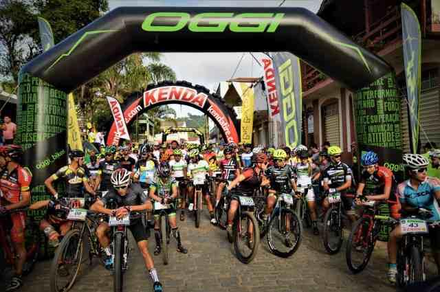 Oggi-Big-Biker-Cup-Itanhandu-Pré-Largada-Largura-Máx-2400-Altura-Máx-1800