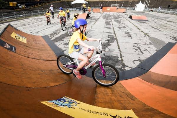 Pista para as bikes, diversão garantida (Adam Tavares Divulgação)
