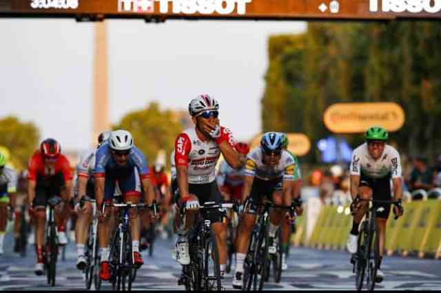 tour-de-france-2019-20ª-etapa-caleb-ewan-vence-e-egan-bernal-vence-na-classificacao-geral (5).jpg