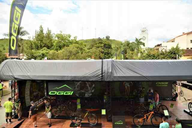 Oggi-Big-Biker-Cup-Itanhandu-Estande-Geral-Cima-Largura-Máx-2400-Altura-Máx-1800