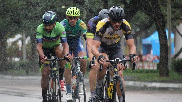 equipe-promax-bardahl-disputa-copa-penks-de-ciclismo-em-diadema (1)