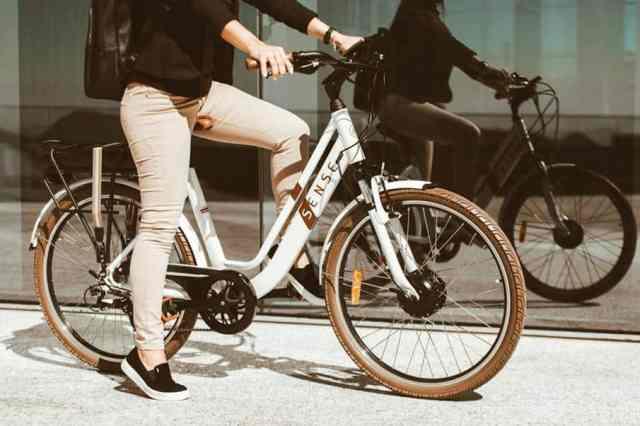 linha-de-bikes-urbanas-sense-2020-traz-renovacoes-e-o-retorno-da-eletrica-easy (3)
