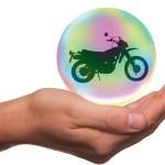 自賠責保険と任意保険の違いとは?バイクの自賠責保険は必要?