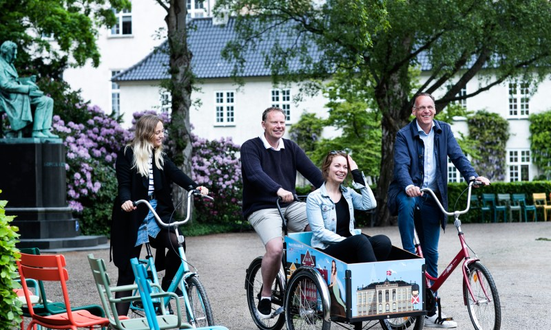 Stylish Bikes & Family/Christiania Bikes