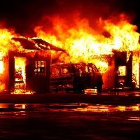 火事でバイクが燃えたら保険は使えるのか