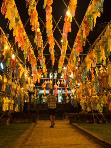 Noční návštěva chrámu Wat Lok Moli 1