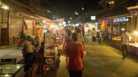 Noční market v Pai