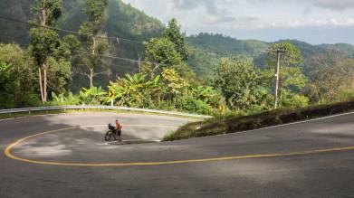 Stoupání do Doi Ang Khang. Jestli toto ti přijde strmé, počkej si na další fotku.