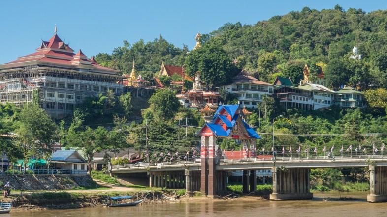 Chrám Wat Tha Ton a řeka Kok