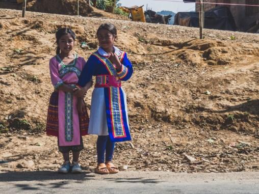 Holčičky kmene Hmong