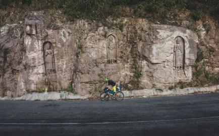 Jakub a Buddhové na cestě do Lak Sao