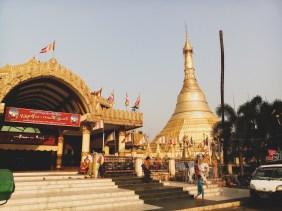Zlatá pagoda, někde v Myanmaru