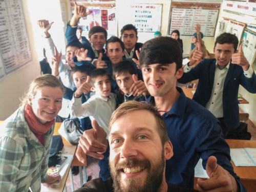 Návštěva vesnické školy. Pohraničí Tádžikistánu a Afgánistánu