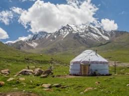 Yurta jako z pohádky. Okolí Tosor Pass, Kyrgyzstán