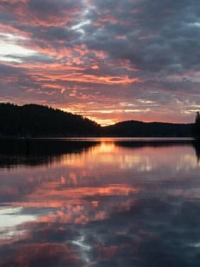 Západ slunce. Národní park Kolovesi, Finsko