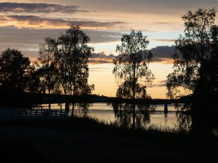 Severský západ slunce. Pajala, Švédsko