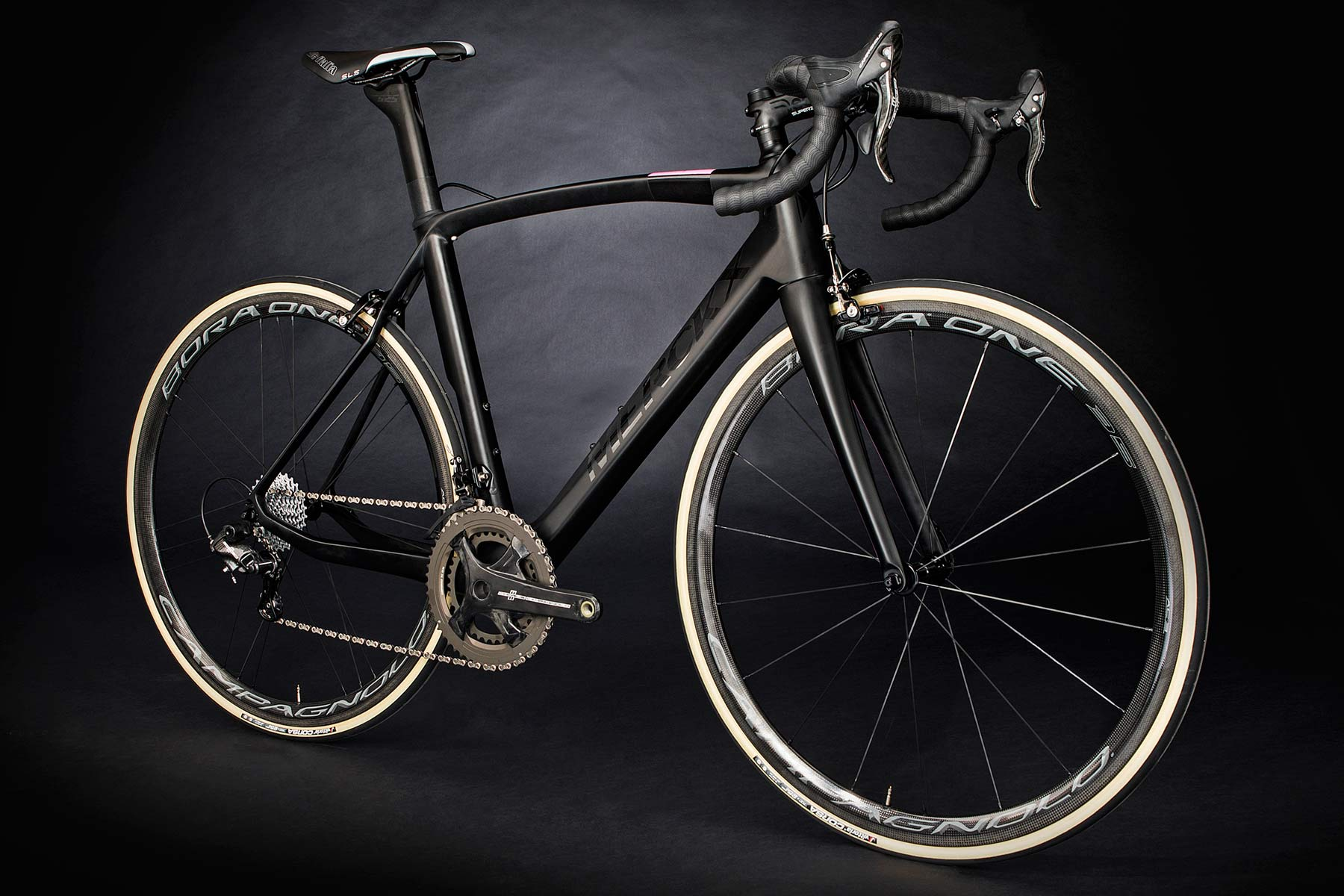 5c6b38e5c Merckx bikes all have some direct naming connection to the wins of their  namesake – the all-rounder EM525 takes its name from Eddy s 525 career race  wins.
