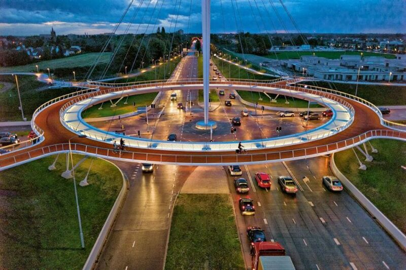 A Floating Cycle Roundabout Photo Bici Chic