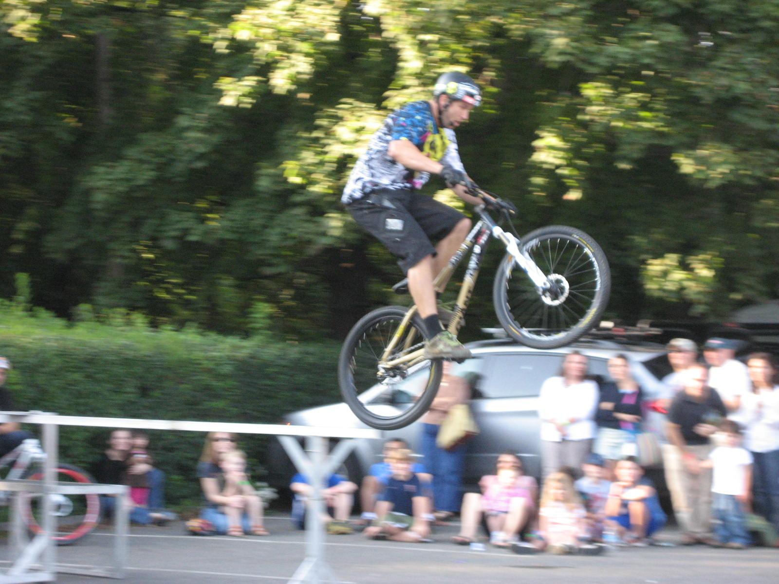 Freewheeling stunt show