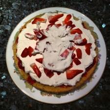 Raspberry Victoria Sponge 2