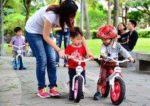 How to teach a kid to ride a Balance Bike