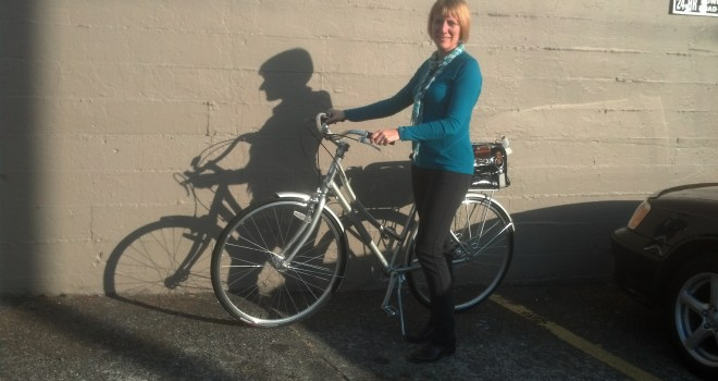 Outlier Tailored Women's Daily Riding Pants--the perfect business pants for riding a bike! With a SmartWool top, Ann Taylor ankle boots, and Pedal Panties underneath for comfort.