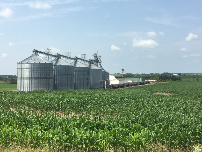 Grain storage and trans-load facility in Wisconsin