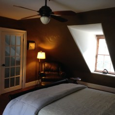 I stayed in the cozy top floor room at the Stonehouse B&B, conveniently located in the lower part of Harpers Ferry, just steps away from the national historical park.