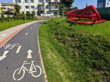 Public art along the bike path in Beranov