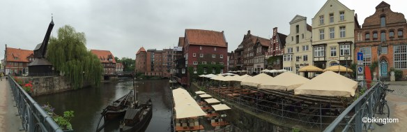 Am Alten Hafen, trostlos bei dem Grau am Morgen...