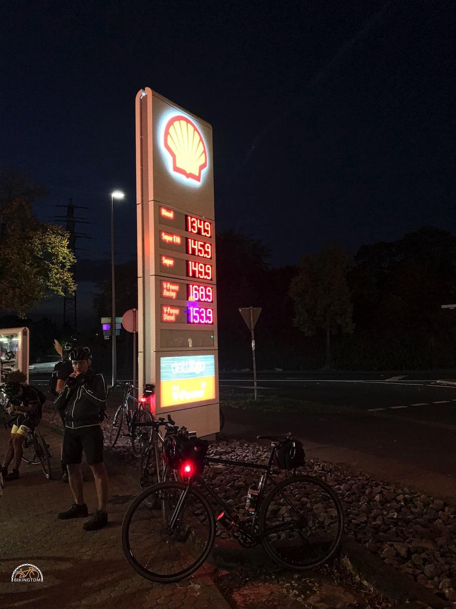 Nightofthe100miles,LTD Ride,bikingtom,Tankstelle Dinslaken