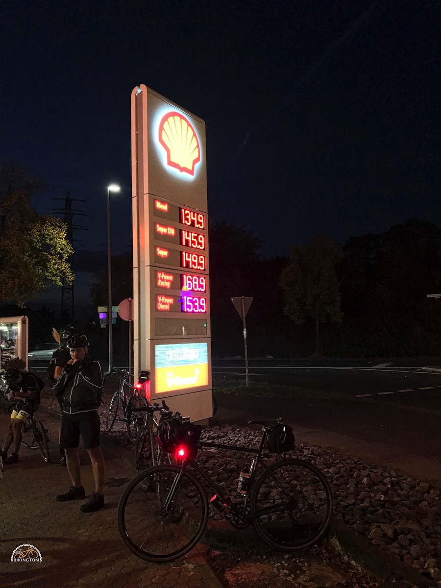 Nightofthe100miles,LTD Ride,bikingtom,Tankstelle Dinslaken