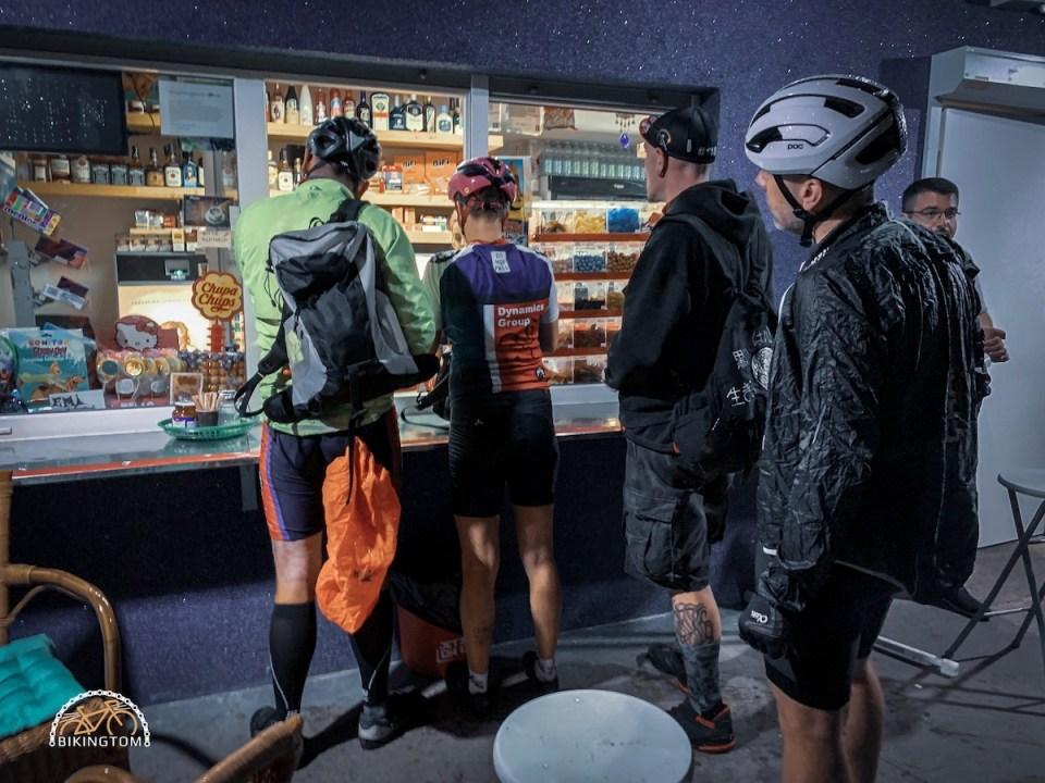 Nightofthe100miles,Nightride,bikingtom,Nacht,Gravel,Kiosk