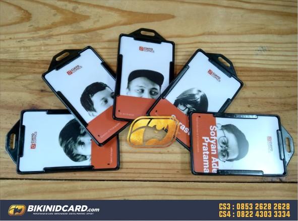 contoh id card