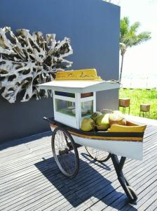 Coconut cart at Alila Soori