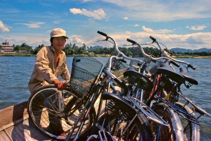 Ferry-boat à vélos