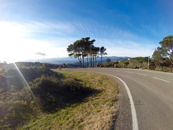 Des routes magnifiques et désertes... Ici la montée du monastère de Sant Pere de Rodes.
