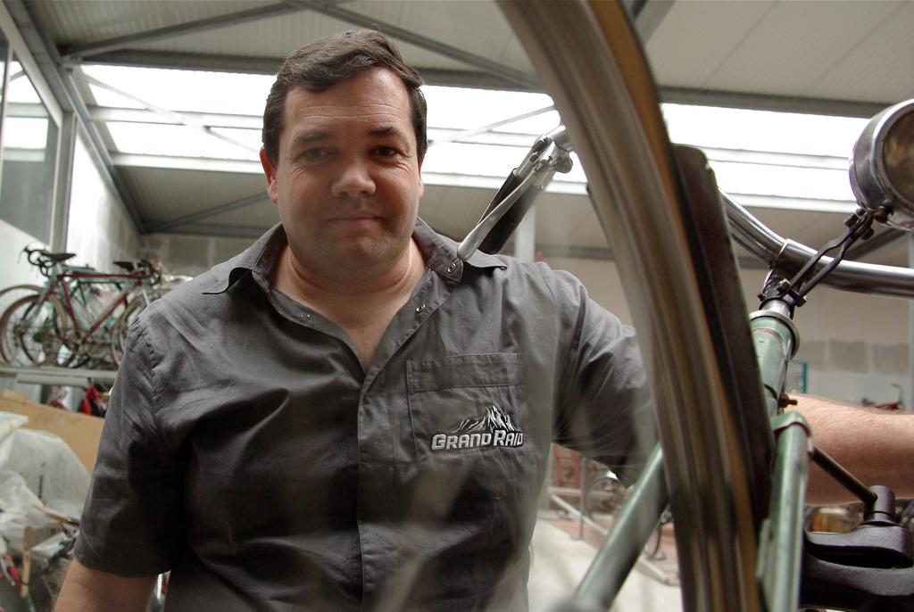 Marc-André Elsig: un collectionneur passionné à rencontrer à la Foire à la brocante