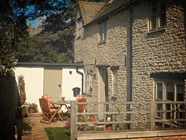COMPETITION HAS ENDED WIN a fabulous 4-night break in the Cotswolds, England