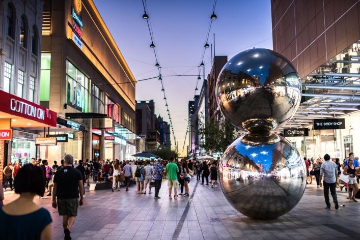 Rundle Mall byder på spændende butikker og underholdning