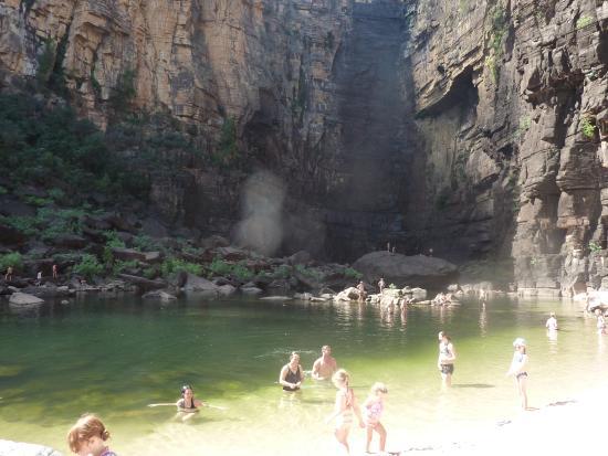 Lækkert forfriskende at svømme ved Jim Jim Falls