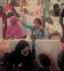 @jahanarawattoo Bhutto dee beti ayee see tey jag vich pai duhai see #PPPFoundationDay @Bbhuttozardari